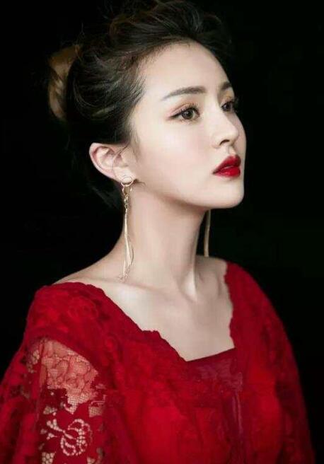 时尚红唇妆