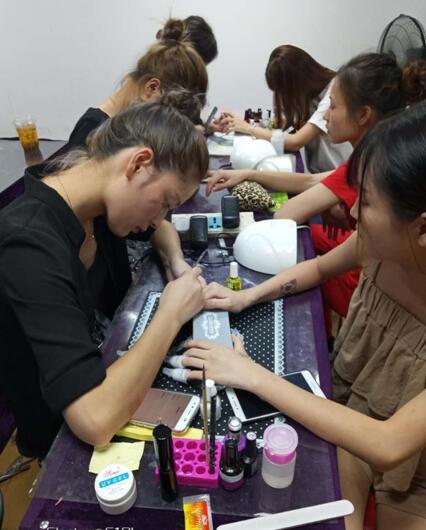 江西丽人美容艺术学院暑假五折优惠再赠送中专毕业证书