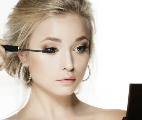 吉祥坊在线娱乐学校教你各种妆容的化妆技巧